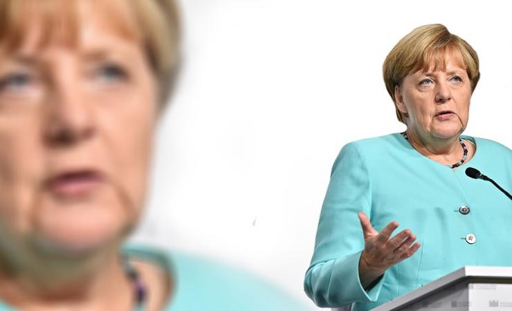 Merkelová lže a všichni to vědí